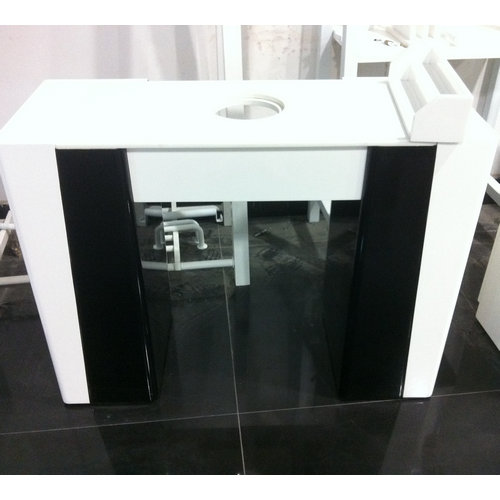 cheap white manicure table for nail shop / ikea and modern manicure station